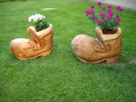 V těchto květináčích rostou květiny samy | Dřevěné výrobky Jan Kužel